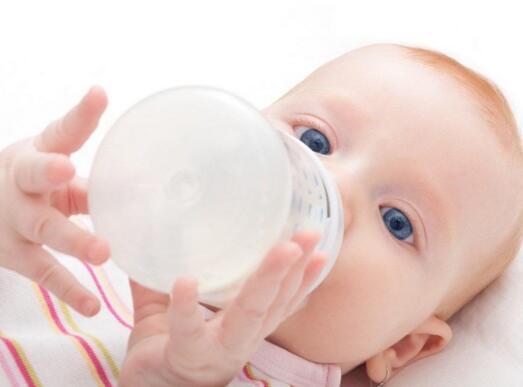 宝宝多久喝一次母乳不同月龄宝宝喝奶频率不一样