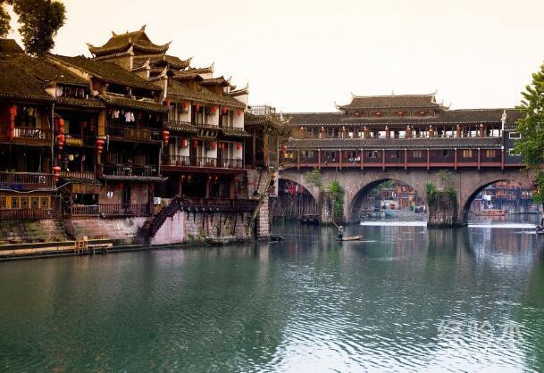 从赣州去湖南凤凰古城图片