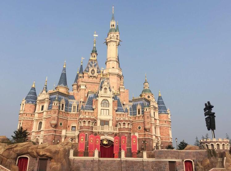 国庆去上海迪士尼人多吗