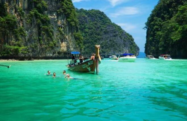 国庆节去泰国好玩吗