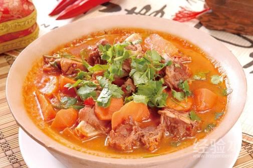 胡萝卜炖羊肉的功效与作用 胡萝卜炖羊肉的做法